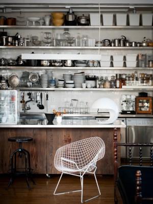Кухонные полке для всей посуды