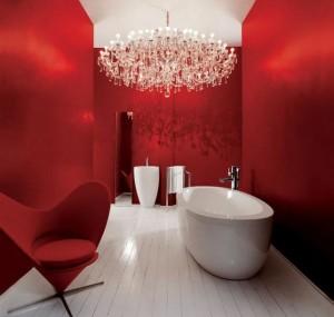 Роскошная ванная комната в красных тонах
