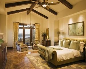 Сочетание зеленого и золотого в спальной комнате