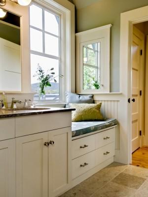 Окно в ванной комнате 19
