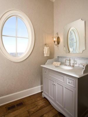 Окно в ванной комнате 20