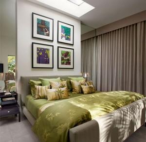 Спальня в серо-зеленных тонах