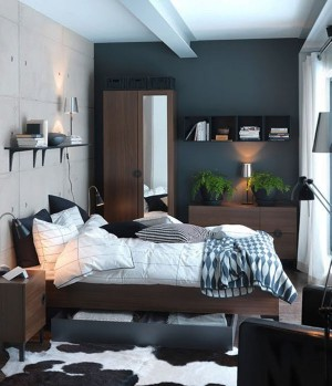 Смесь минимализма и японского стиля в небольшой спальни