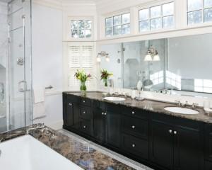 Окно в ванной комнате 21