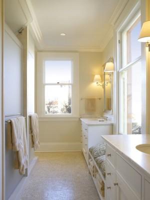 Окно в ванной комнате 26