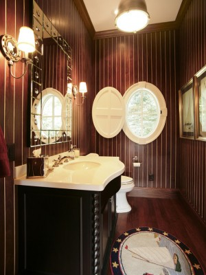 Окно в ванной комнате 30