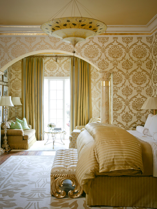 Роскошная спальня выполнения полностью в золотом цвете
