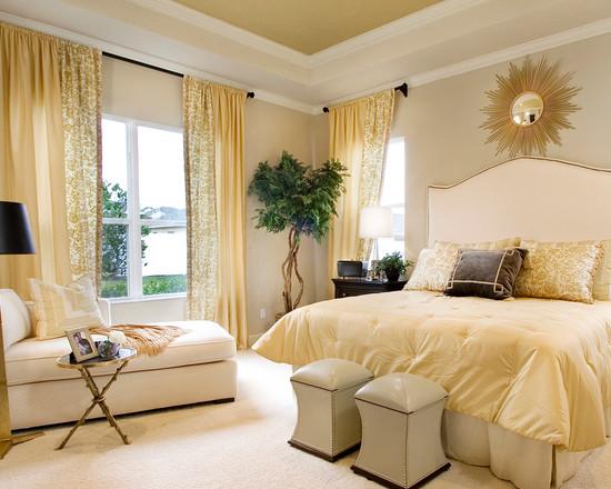 Солнечно-золотая спальня в нежно-спальных тонах