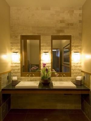 Декоративный камень в интерьере ванны