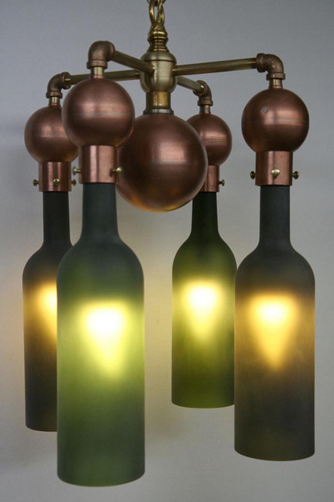 Светильник из бутылок своими руками фото