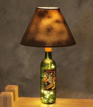 Основа дампы из винной бутылки с гирляндами внутри