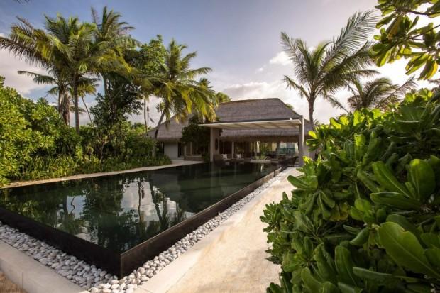Отель на острове 1