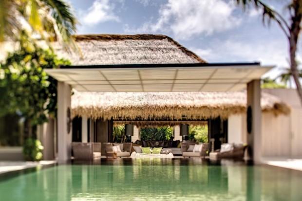 Отель на острове 2
