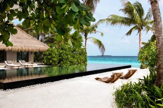 Отель на острове 3