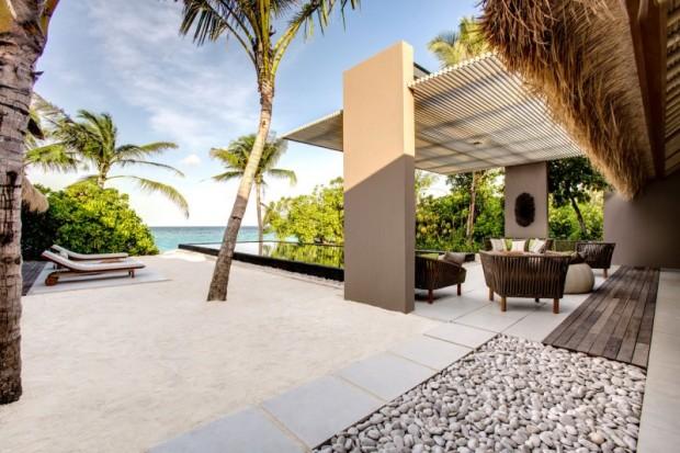 Отель на острове 5