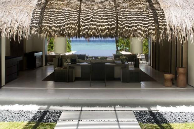Отель на острове 9