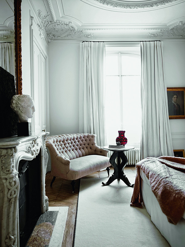 Parisian_Apartment_10