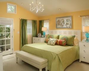 Желто-салатовая спальня