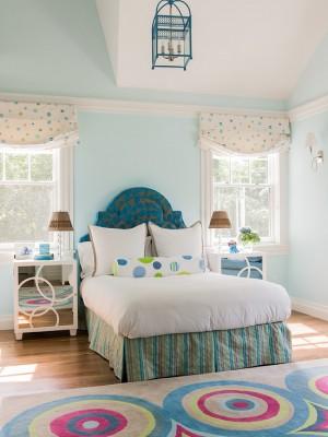 Светло голубая комната для девочки