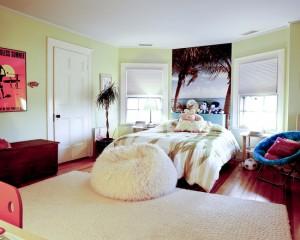Кровать для дочки с изголовьем в виде пляжа