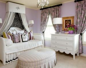 Фиолетовая спальня дочери