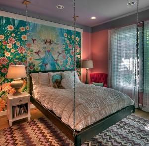 Комната маленькой феи, кровать парит в воздухе на цепях