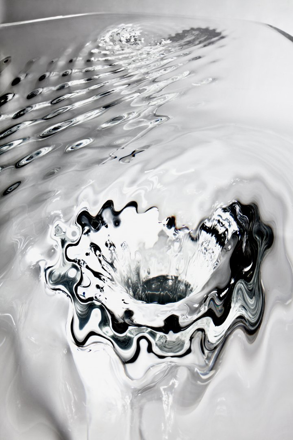 Жидкий стеклянный стол 5
