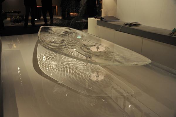 Жидкий стеклянный стол 8