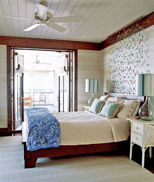 Морские камушки в основании кровати