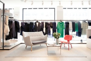 Дизайн интерьера женской одежды в Милане