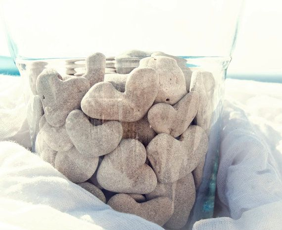 водная композиция с морскими камнями