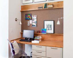 Как выбрать письменный стол для детской комнаты?