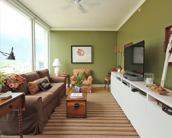Правильно расставленная мебель в длиной узкой комнате