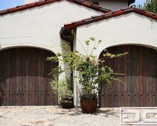 Ретро деревянные гаражные ворота