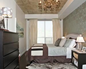 Интерьер узкой комнаты в стиле барокко