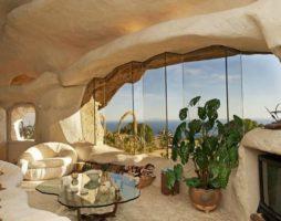 Дом-пещера в Малибу