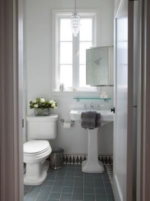mediterranean-bathroom