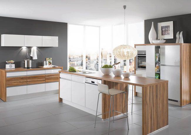 Зебрано на кухне в хай-тек стиле