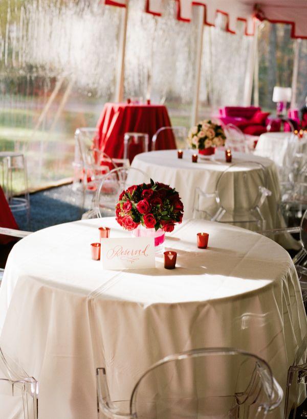 Стильно оформленные свадебные столы
