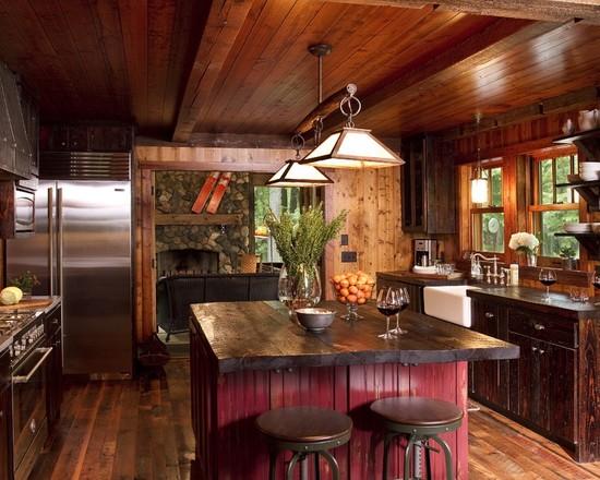 Кухня в деревенском стиле с бордовым островком