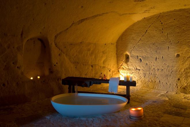Гостиница в пещере