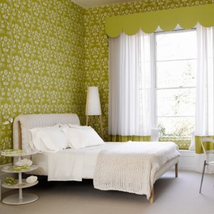 Lime-and-White-Floral-Wallpaper
