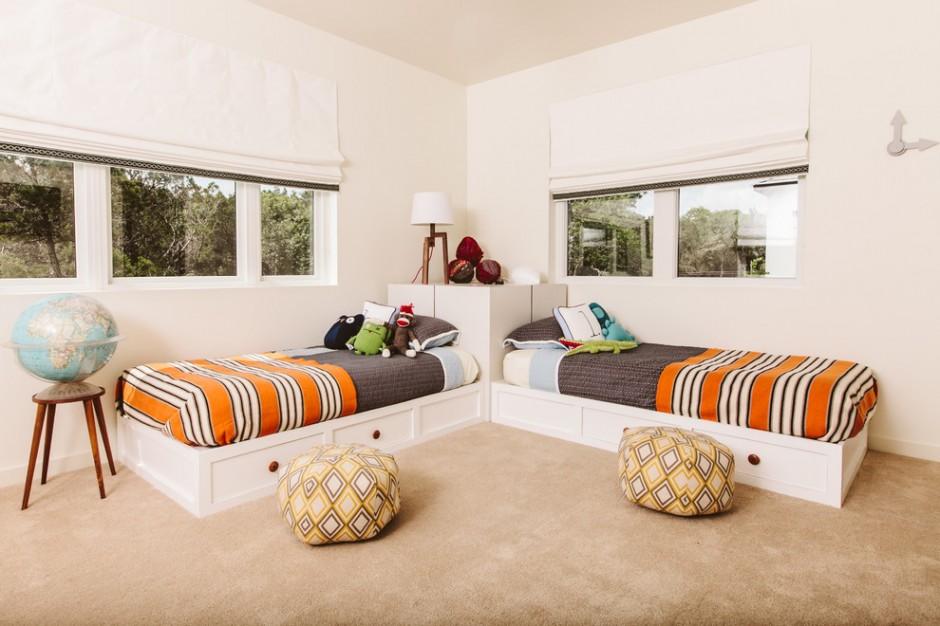 """""""Г"""" образное расположение кроватей в комнате для детей"""
