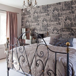 Monochrome-Black-Floral-Wallpaper