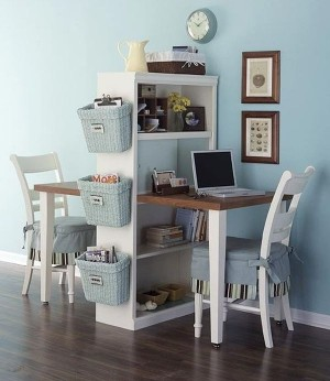 Small-and-compact-desk-that-fits-in-pretty-much-anywhere