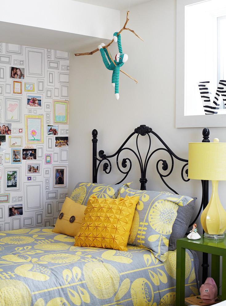Комбинирование обоев в молодежной спальне