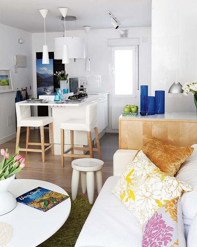 Современная кухня, совмещенная с гостиной