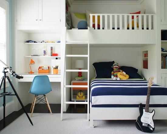 Светлая детская комната для мальчиков