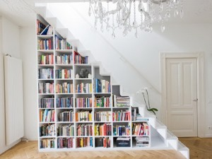 08e17__1-shelving-in-the-stairs