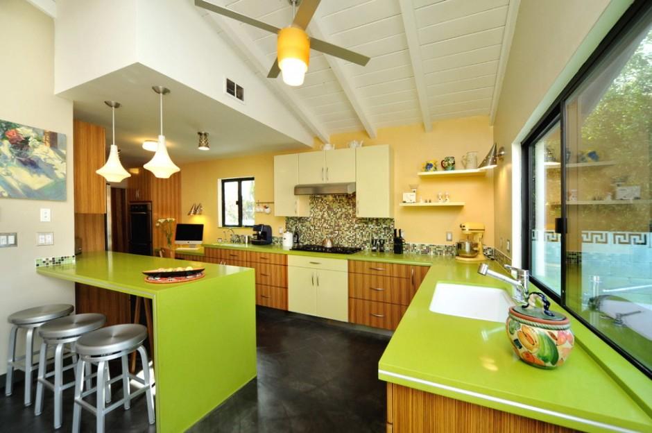 Сочетание желтого и зеленого цвета на кухне